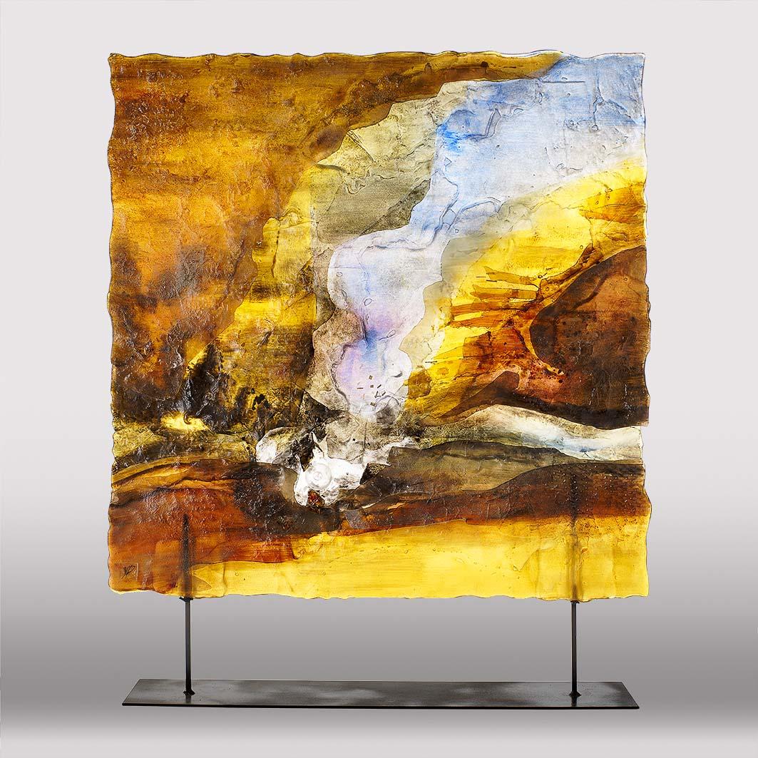 Client : Suzanne Philidet Artiste et Maître verrier. Photo en studio de pièce de verre d'environ 1m x 1m. Le challenge est de révéler les détails de la création mais aussi de rétro-éclairer la pièce afin de souligner la transparence.